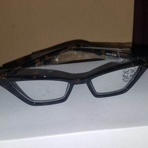 Pointy Black Cateye Readers